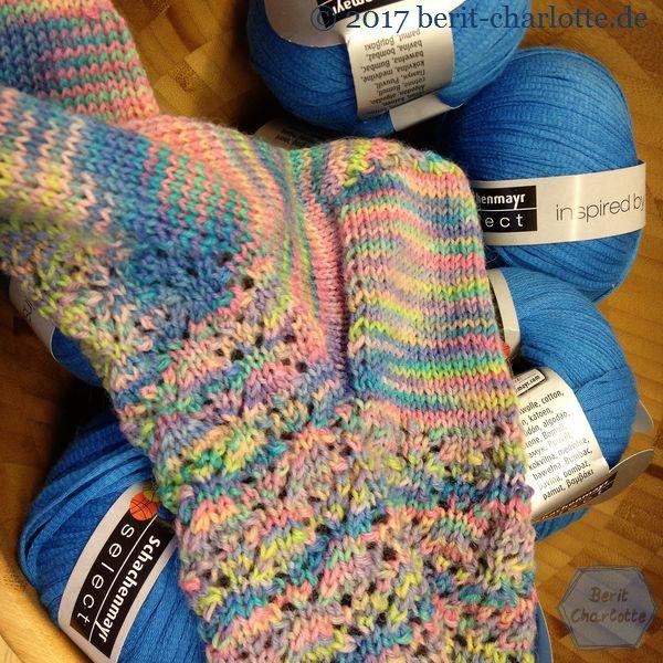Socke mit Frühlingsjäckchen-Wolle