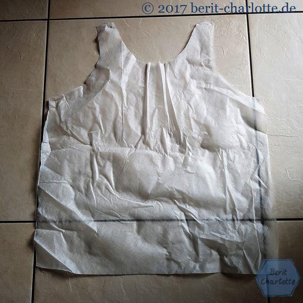 Vlies nach einem Shirt zuschneiden