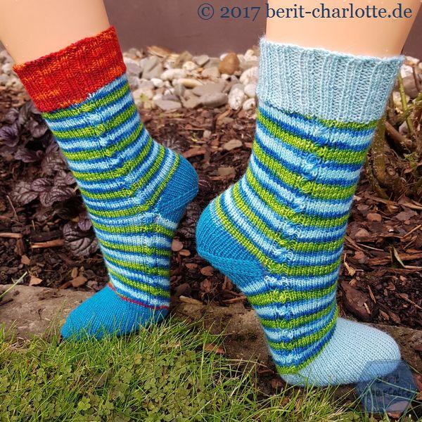 meine Socken für die Scheibenwelt - etwas ungewöhnlich und überraschend