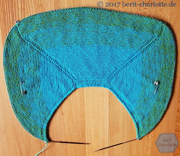 Mein zweites Tuch: diesmal aus einem Verlaufsgarn. Woolly Hugs Bobbel Cotton.