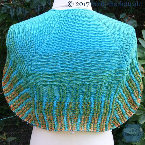 Mein Tuch Nr. 2 aus zwei Bobbel Verlaufsgarn (Woolly Hugs Bobbel Cotton).