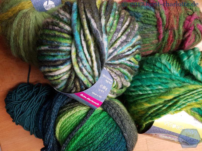 Los Nr. 2 - Viele grüne Wolle, um unterschiedliche Tannenbäume zu häkeln und zu stricken. Für die Adventszeit 2018.