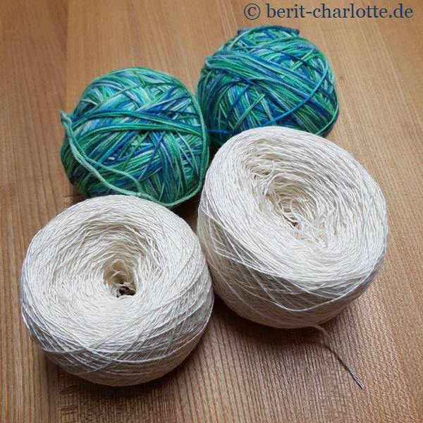 Möglichkeit: weißes Seidengarn mit blaugrünem, selbstgefärbtem, 4fädigen Garn