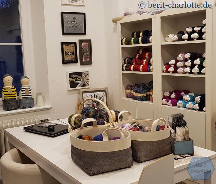 Ein ganzer Raum nur mit Sockenwolle.