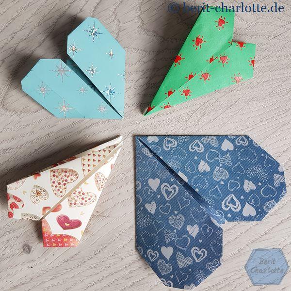 Origami-Herzen. Die schmalen kann man auch als Lesezeichen benutzen.